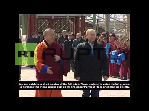 Russia: Putin visits Russia's biggest Buddhist temple