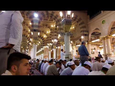 Merdunya suara Adzan Subuh di Masjid Nabawi Madinah