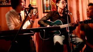 Lời yêu nào - Acoustic Cover in Music Night (Fuk Bar).avi