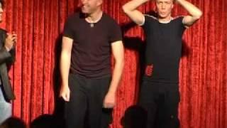 תיאטרון בסלון גאה להציג: קומיקזה !!!