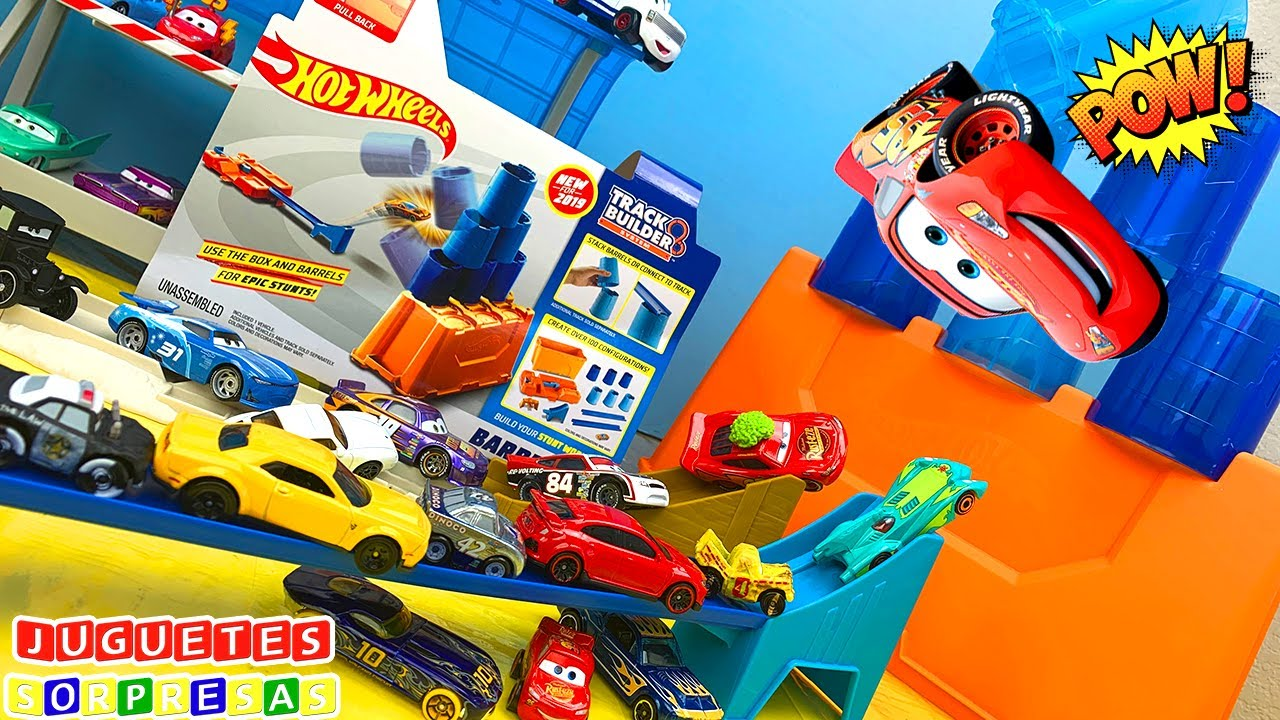 DISNEY CARS HOT WHEELS BARREL BOX CHALLENGE Carros de Carrera para niños  Pista de Coches