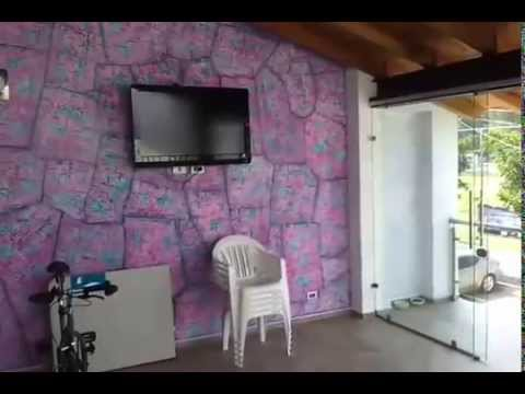 Pintando un muro con efecto piedra youtube for Papel para pared imitacion piedra
