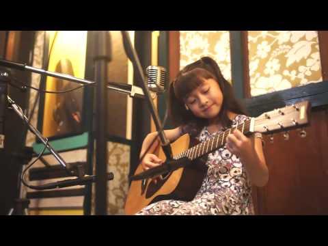 爱你 Ai Ni  (Kimberley Chen)  Acoustic Cover by Gail Sophicha 8 Years old. น้องเกล