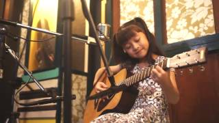 爱你 Ai Ni  (Kimberley Chen)  Acoustic Cover by Gail Sophicha 8 Years old. น้องเกล