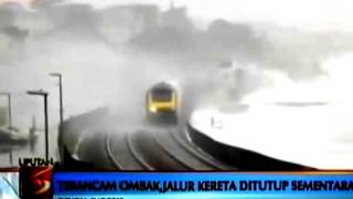 Video Berita Dunia Hari Ini - Ombak besar hantam kereta api di Amerika Serikat download MP3, 3GP, MP4, WEBM, AVI, FLV Januari 2018