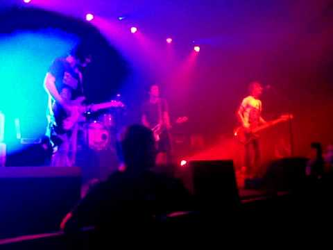 The Cribs + Johnny Marr - We Were Aborted (Manchester Academy 12th May 2012)