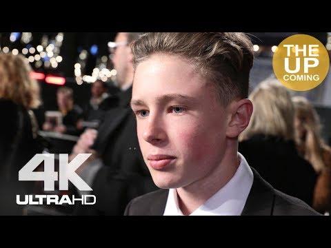 Finn Elliot at The Crown 2 premiere | Interview