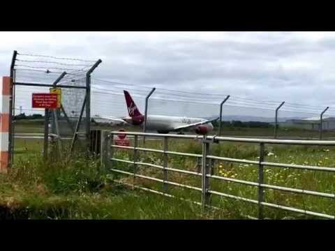 Planes landing at Glasgow prestwick airport