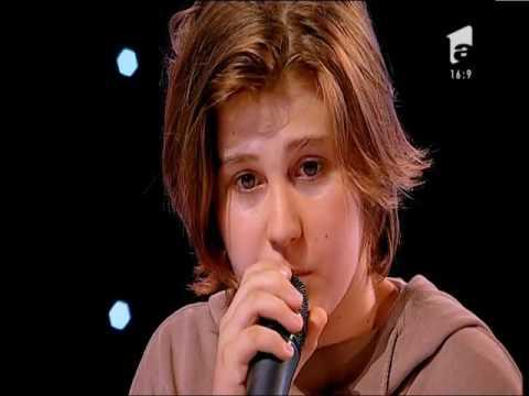 Cu patru de DA, Ştefan Căpraru aka Oscar se califică în următoarea etapă X Factor!