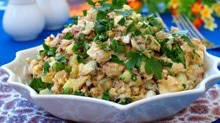 Салат с сардинами, яйцом и зелёным горошком