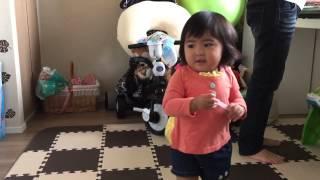 週に1回のリトミックレッスンに参加している娘(1歳5ヶ月) 家で、私...