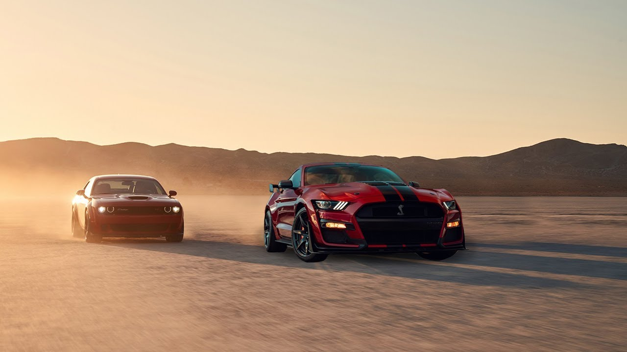 2020 Ford Mustang Shelby GT500 vs 2019 Dodge Challenger ...