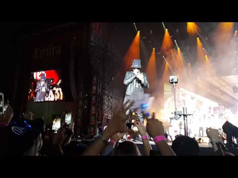 Enrique Iglesias Live in Dubai 2017 - El Perdon and Bailando