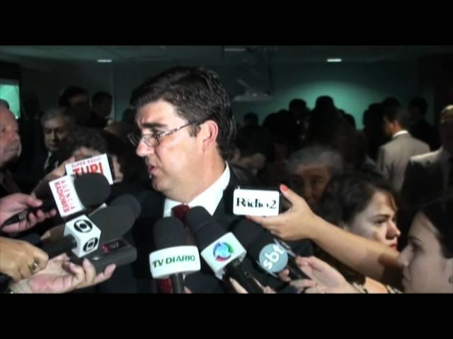 Presidente do INSS e Ministro reconhecem carência e urgência no concurso