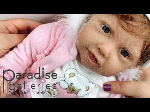 paradise-galleries-cuddle-bear-bella-doll-unboxing