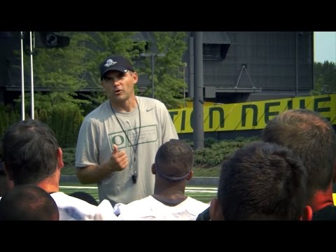 Mic'd up: Oregon's Mark Helfrich rallies the Ducks