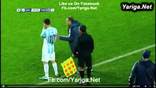 ميسي يشير للمدرب لتبديل مسكيرانو Messi refers to the coach to switch