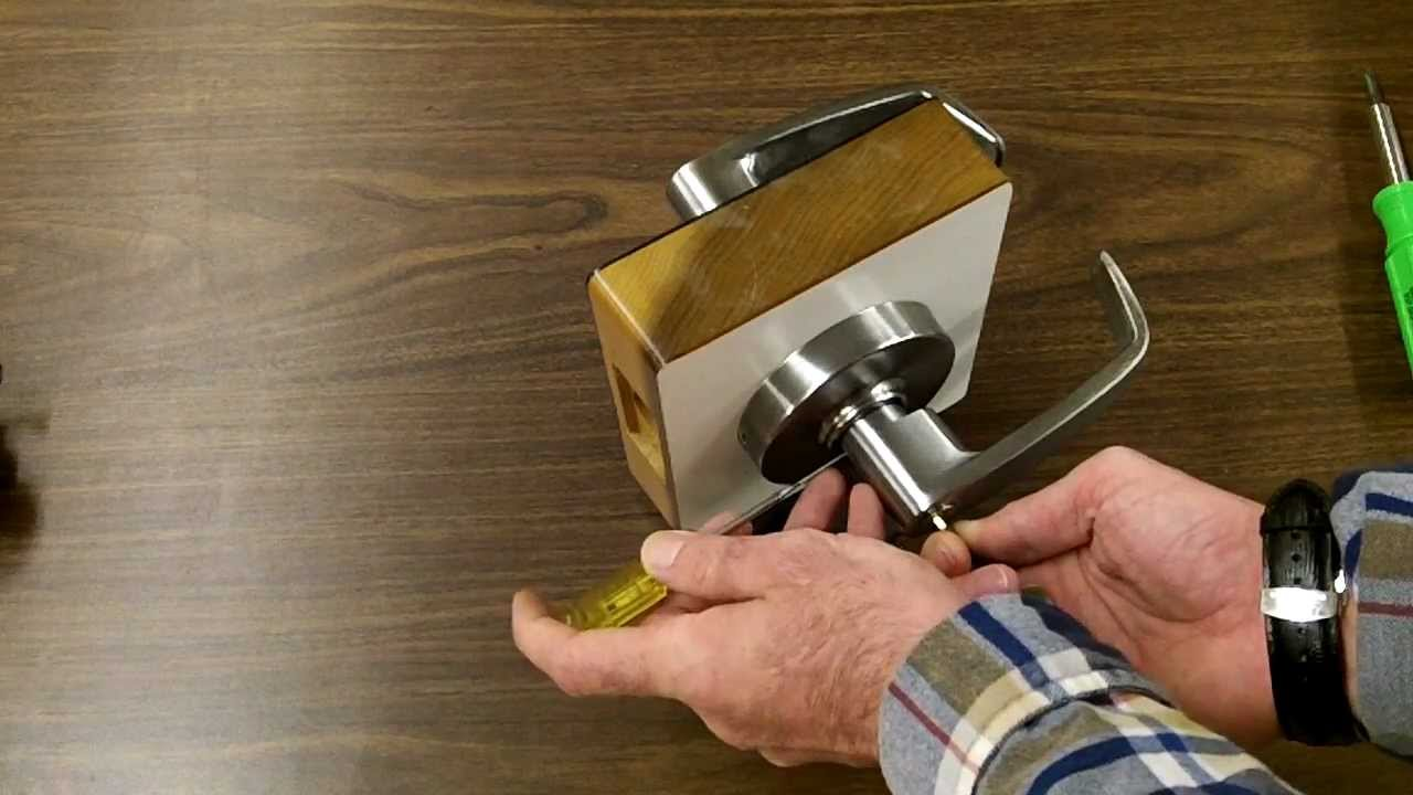 & Sargent Lockset cylinder removal - YouTube