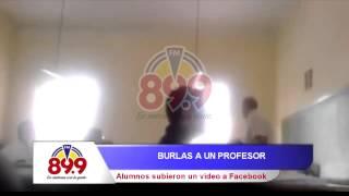 FM899 - BURLAS A UN PROFESOR