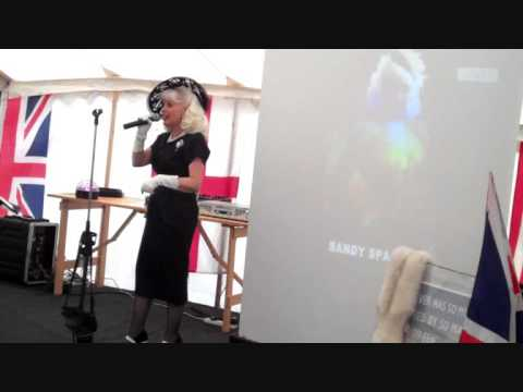 SANDY SPARKLE sings WARTIME SING A LONG MEDLEY