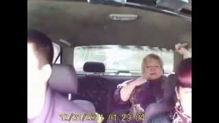 Видео приколы.  Семья в машине(Очень смешное видео., 2015-08-03T18:58:30.000Z)