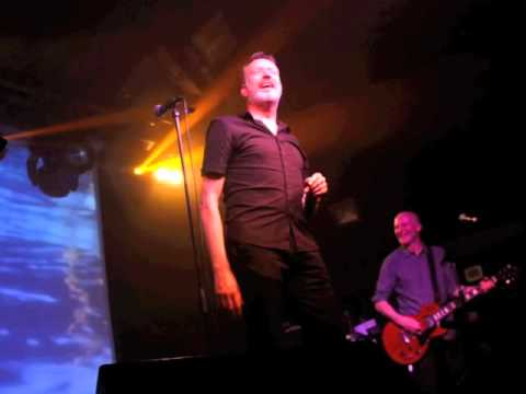 Blancmange  -  Living On The Ceiling (Live)