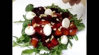 Салат из печеной свеклы с рукколой и кедровыми орешками
