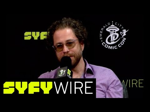 Jonathan Coulton & Molly Lewis Talk Cheesecake Tide Pods (Emerald City Comic Con) | SYFY WIRE