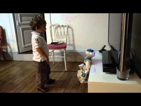 Comme ami vous préférez un robot Nao ou un téléphone ?