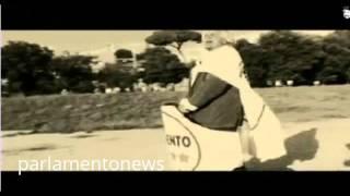 26 09 2014 GRILLO BEN HUR AL CIRCO MASSIMO LEADER M5S REGISTRA VIDEO SU UNA BIGA