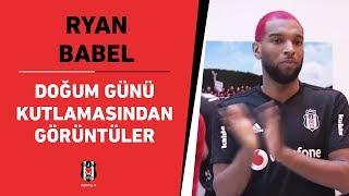Futbolcumuz Ryan Babel'in doğum günü kutlamasından görüntüler 📹🎂🎉