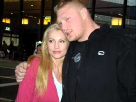brock lesnar wife and his daughter pics - YouTube