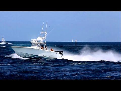 Sea Vee Z  at speed in Fort Lauderdale