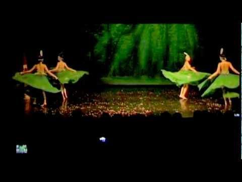 Múa Vũ Điệu Chim Công - Biểu diễn nhóm múa cộng đồng Ba Lan
