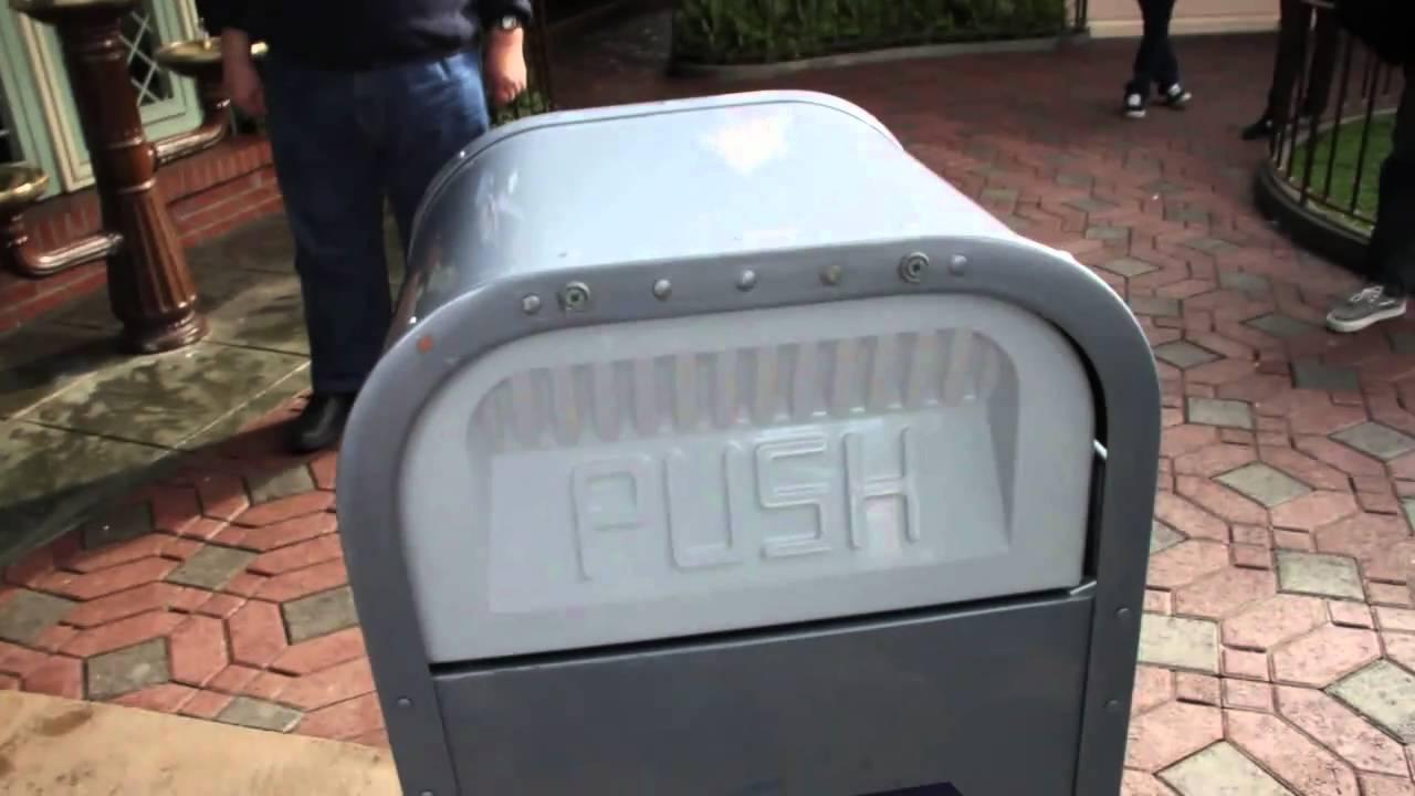 Push, the Talking Trash Can, Disneyland - YouTube | 1280 x 720 jpeg 65kB
