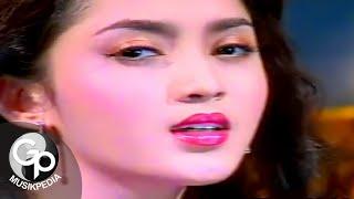 Download Alda - Aku Tak Biasa (Official Music Video)