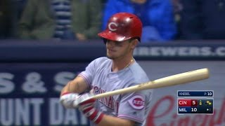 CIN@MIL: Crowd gives Gennett welcome home ovation