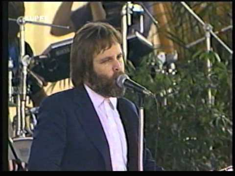 Ringo Starr playing with The Beach Boys July 4th 1984 1