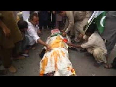 Pakistan protesters burn Modi effigy, India flag