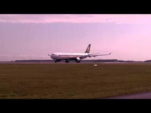 Singapore A330 Departing YBBN