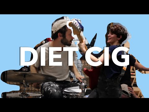 "Diet Cig ""Harvard"" 