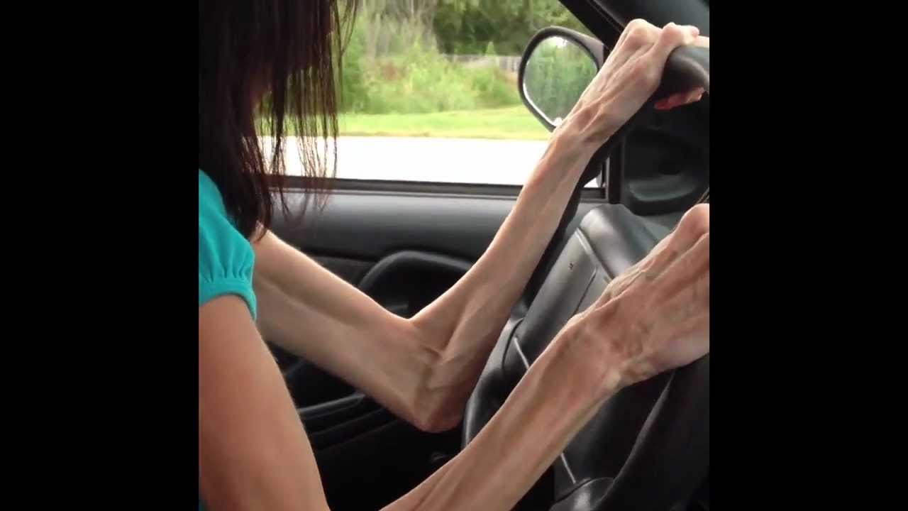 Photo of Lizzie Velasquez - car