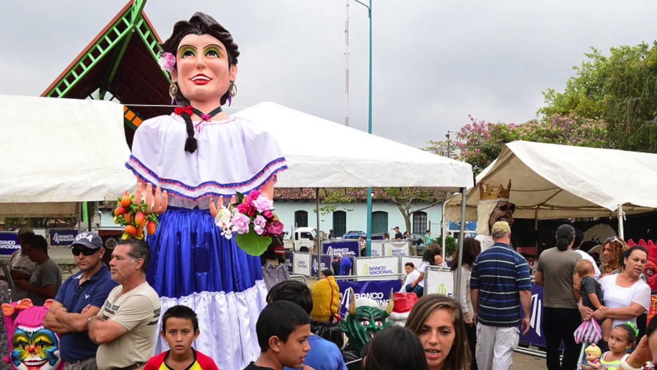 Domingo Tá Acabando Imagem 8: Alborada Y Mascaradas En Santo Domingo De Heredia