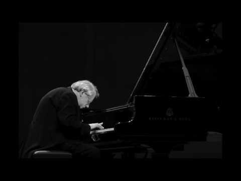 Beethoven Sonata op. 111 - Grigory Sokolov (live 2004)