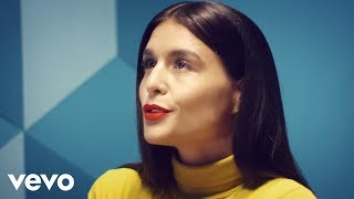 Watch Jessie Ware Champagne Kisses video