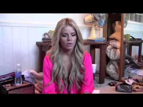 An intimate chat with Jessa Rhodes at Hard Times