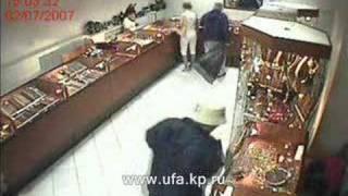 """Ограбление ювелирного магазина """"Клондайк"""" в Октябрьском"""