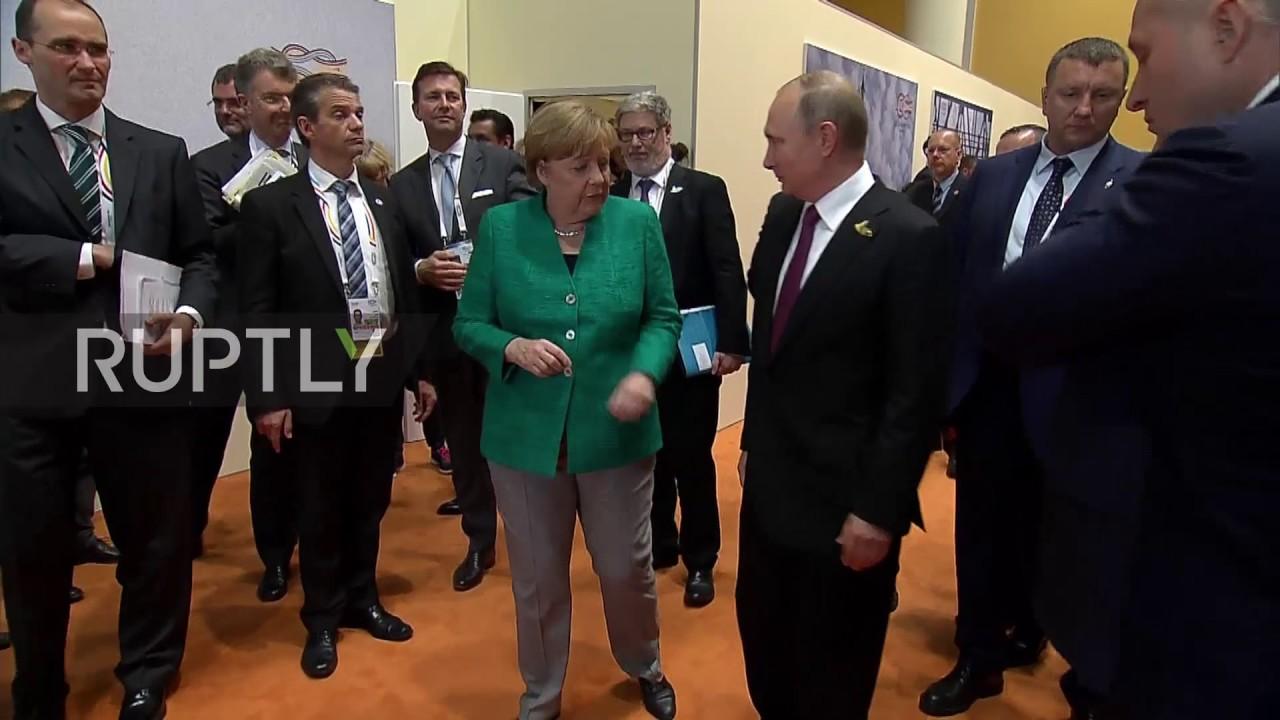 Меркель проводила Путина по-русски
