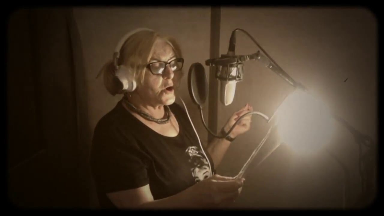 Ursula Stenzel Sings Smile Youtube