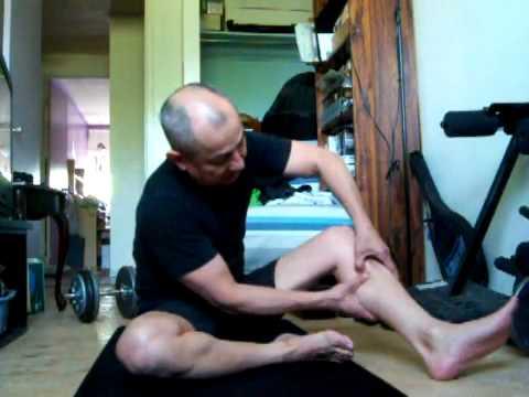 Tự matxa đùi và bắp chân (nam hướng dẫn).FLV